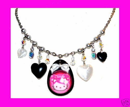 TARINA TARANTINO HELLO KITTY PINK HEAD HEART NECKLACE